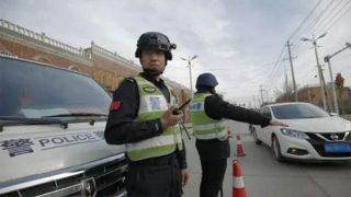 Contrôle d'identité par la police, xinjiang Chine