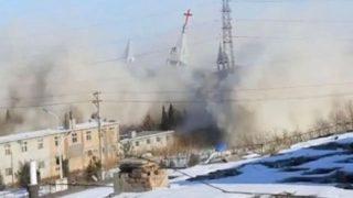La destruction de la Golden Lampstand Church, capture d'écran réalisée à partir d'une vidéo produite par des membres de l'église