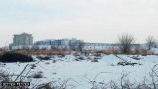 Prison de la ville de Jiuquan, province du Gansu, dans laquelle les Ouïghours du Xinjiang sont détenus.