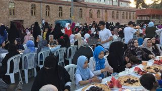 Triste Iftar avec des réfugiés ouïghours à Istanbul