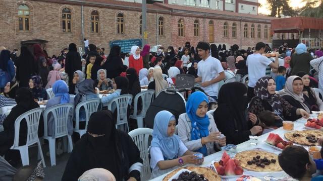 Prêts pour la fête de l'Iftar