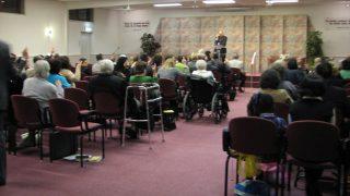 Une réunion des Témoins de Jéhovah