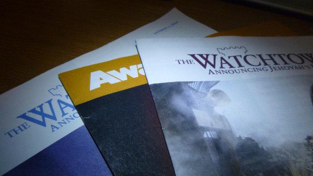 Publications des Témoins de Jéhovah. (domaine public)